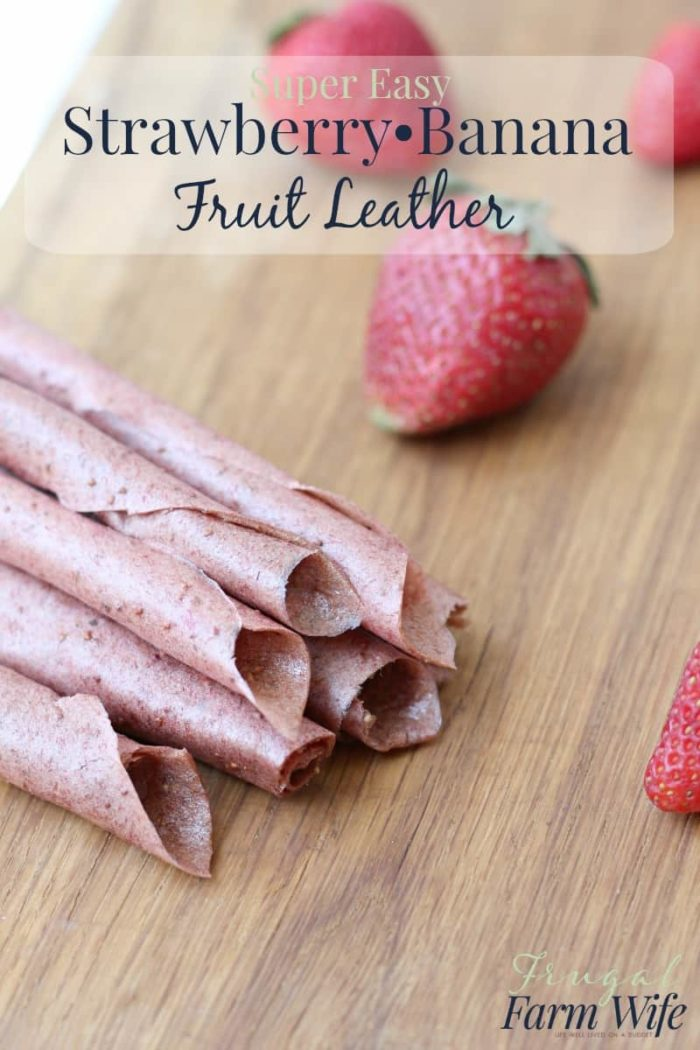 Strawberry banana fruit leather is so easy to make, and so nutritious! No added sugar at all, thanks for the ripe banana.